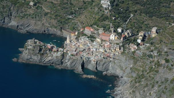 5 TERRE TREKKING IN THE LIGURIAN COAST